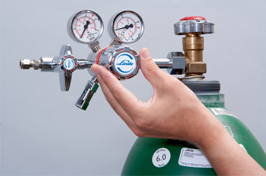 Industrial Gas Cylinders Regulators & Accessories